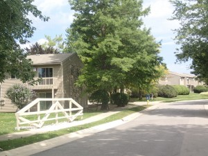 how to choose a fort wayne apartment community